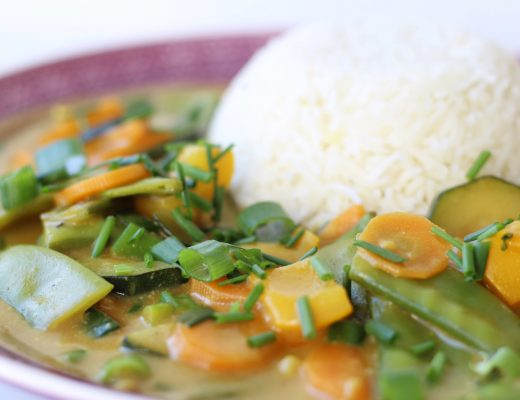 Vegetarisches Thai Curry mit Reis